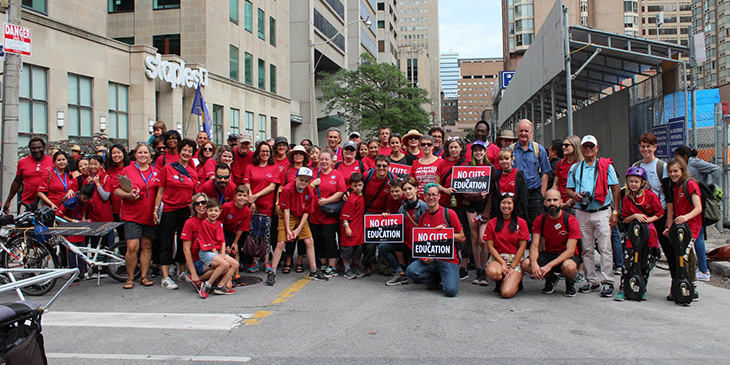 """ETT Members Say """"No"""" to Ford Government's Attacks on Public Education at Toronto Labour Day Parade"""
